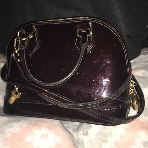 Louis Vuitton Handbags - 100% AUTHENTIC Louis Vuitton Vernis Alma BB